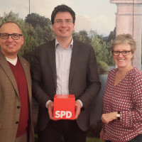 Robert Metzger, Fraktionsvorsitzender der SPD-Stadtratsfraktion; Florian von Brunn, MdL und Elisabeth Jordan Vorsitzende SPD-Unterbezirk Rosenheim Stadt