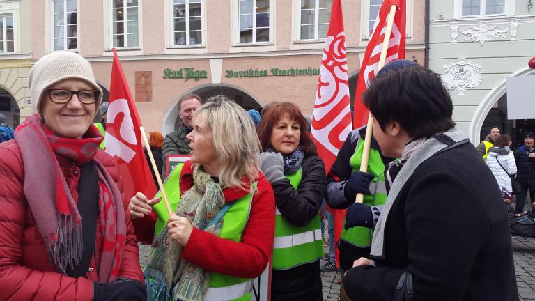 SPD Rosenheim bei Demo für Planungsstopp der Neubautrassen des Brennernordzulaufs